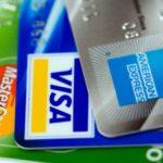 Европейские туристы все чаще предпочитают расплачиваться банковской картой