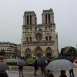 В Париже начали очищать от свинца окрестности Нотр-Дама