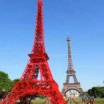 В Париже появилась еще одна Эйфелева башня